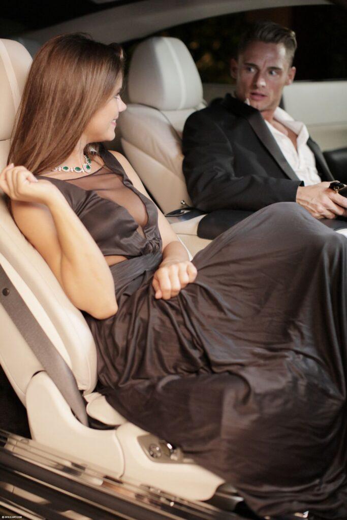 Ze wil erotische sex in de auto