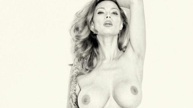 Tera Patrick, mooie vrouw, topless en een strakke spijkerbroek